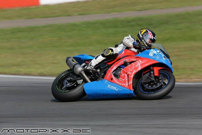 Moto de course - image 1