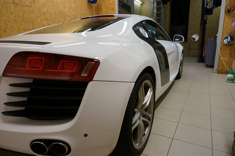 Total Covering Audi R8 - image 7