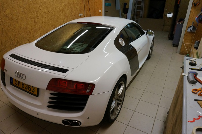 Total Covering Audi R8 - image 1